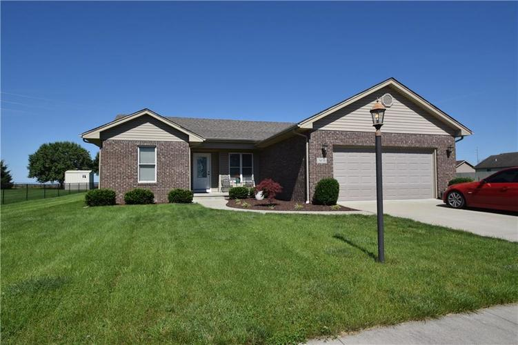 3456 Elizabeths Way Seymour, IN 47274 | MLS 21650742 | photo 1