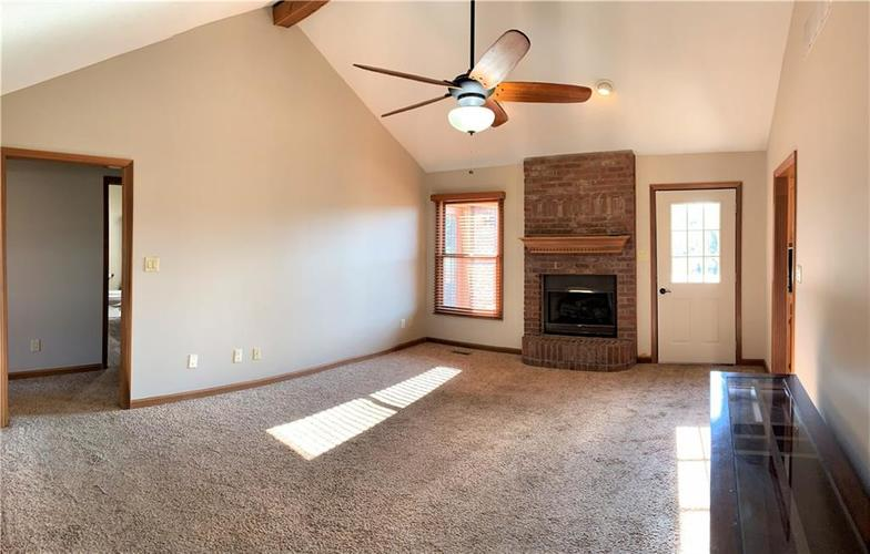 5885 Hall Road Plainfield, IN 46168 | MLS 21650800 | photo 4