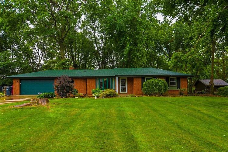 2677  Woodlawn Drive Anderson, IN 46013 | MLS 21650835