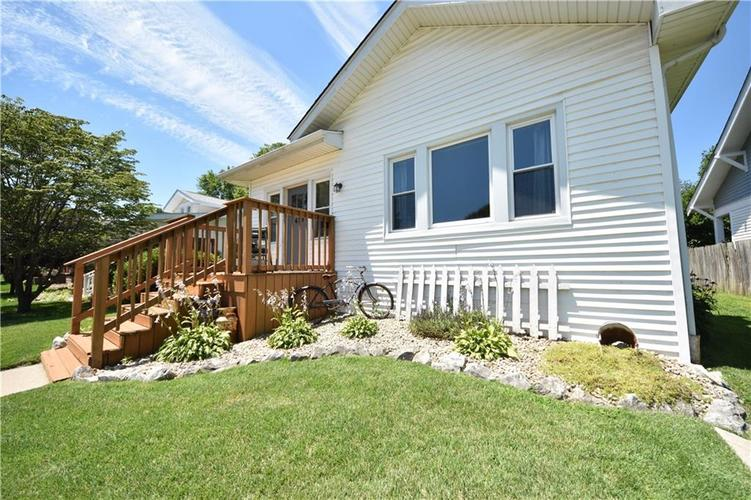 419 Emerson Dr Seymour, IN 47274 | MLS 21650863 | photo 2