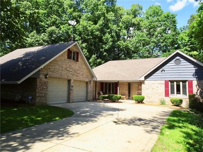 1125 Dogwood Court Martinsville, IN 46151 | MLS 21650895 | photo 1