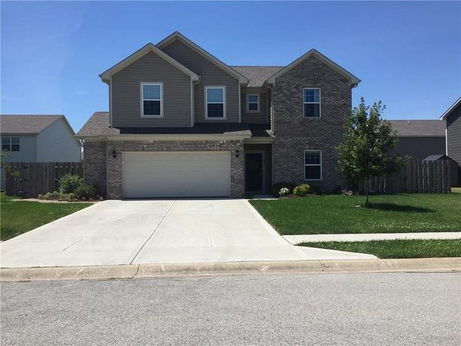 4690 Westchester Drive Columbus, IN 47203 | MLS 21651121 | photo 1