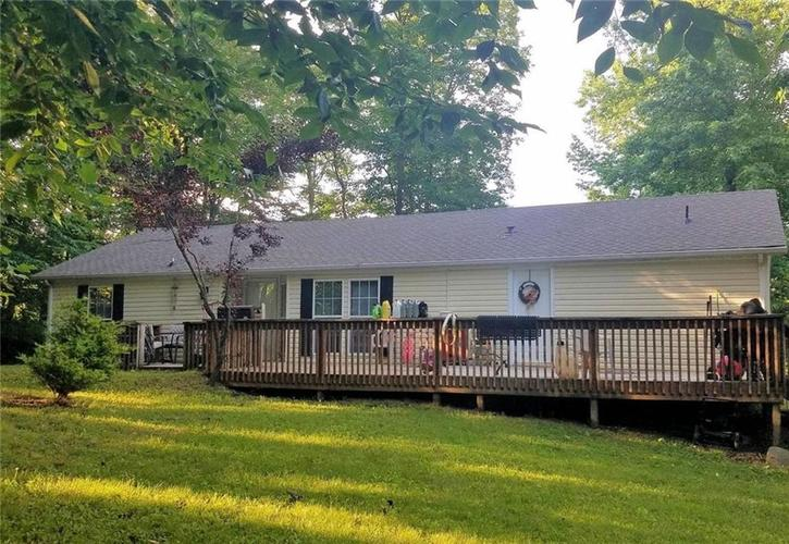 215 E County Road 800 N North Vernon, IN 47265 | MLS 21651129 | photo 1