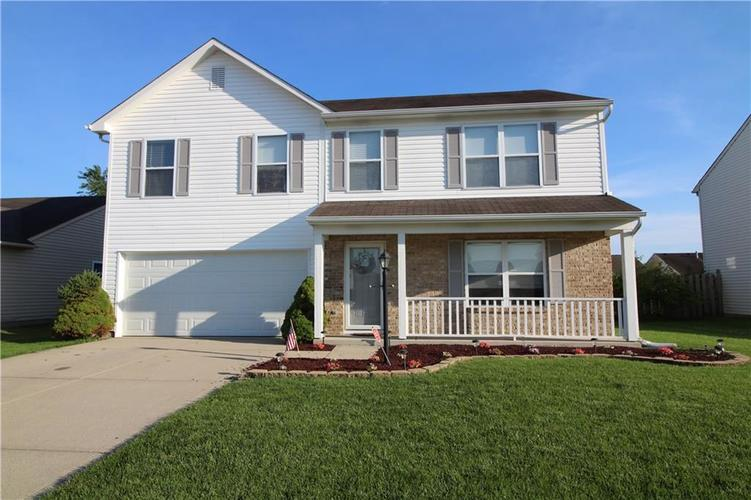 2195 Lakecrest Drive Columbus, IN 47201 | MLS 21651136 | photo 1