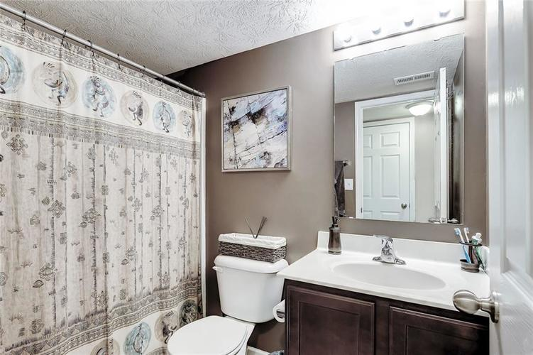 8310 Templederry Drive Brownsburg, IN 46112 | MLS 21651259 | photo 14