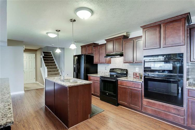 8310 Templederry Drive Brownsburg, IN 46112 | MLS 21651259 | photo 2