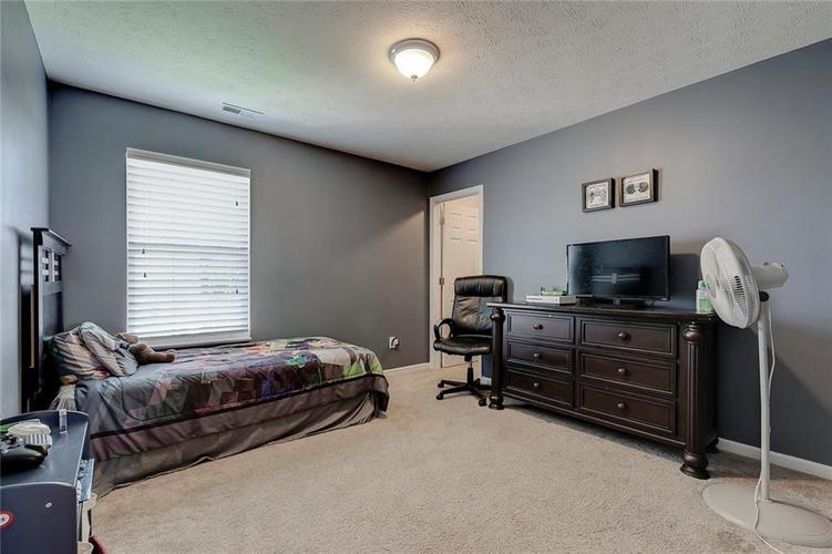 8310 Templederry Drive Brownsburg, IN 46112 | MLS 21651259 | photo 21