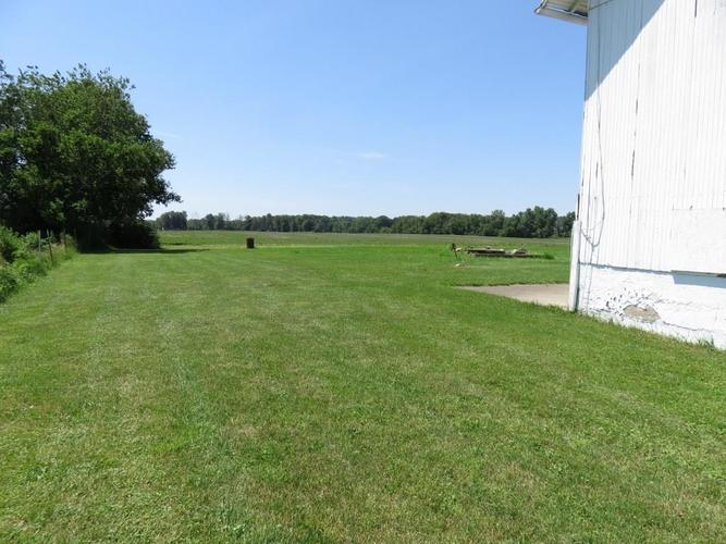 11753 S US Highway 35 Selma, IN 47383 | MLS 21651442 | photo 12