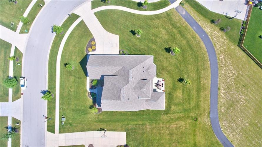 3565 Old Quarry Drive Zionsville, IN 46077 | MLS 21651573 | photo 15