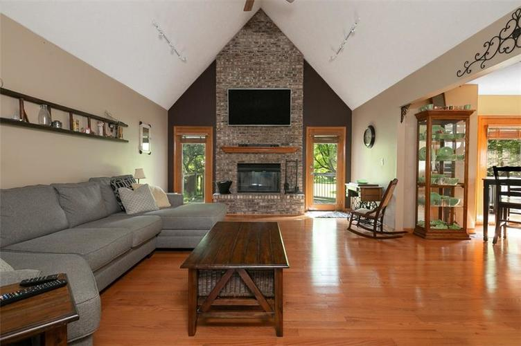 1045 Governors Lane Seymour, IN 47274 | MLS 21651716 | photo 15