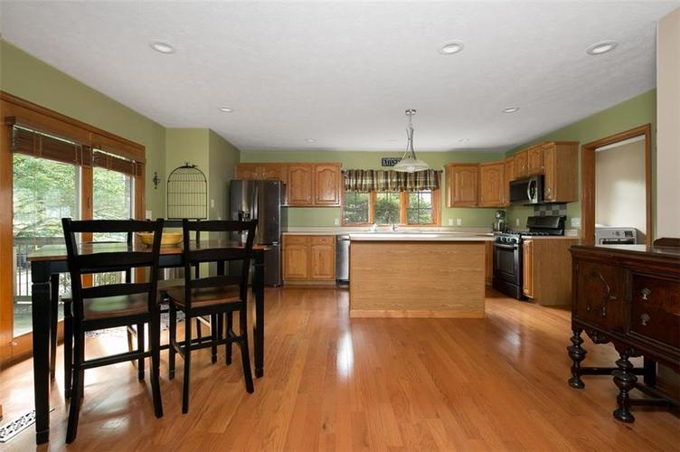 1045 Governors Lane Seymour, IN 47274 | MLS 21651716 | photo 19