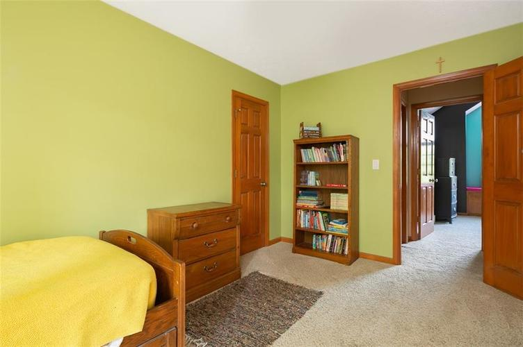1045 Governors Lane Seymour, IN 47274 | MLS 21651716 | photo 36