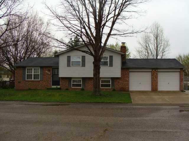930 W STOP 11 Road Indianapolis, IN 46217 | MLS 21651786
