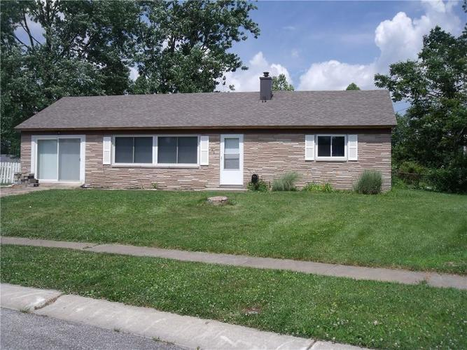 631 Park Drive Greenwood, IN 46143 | MLS 21651817 | photo 1
