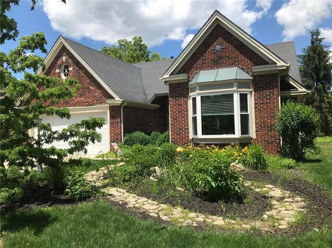 10704  Pimlico Circle Indianapolis, IN 46280 | MLS 21651851
