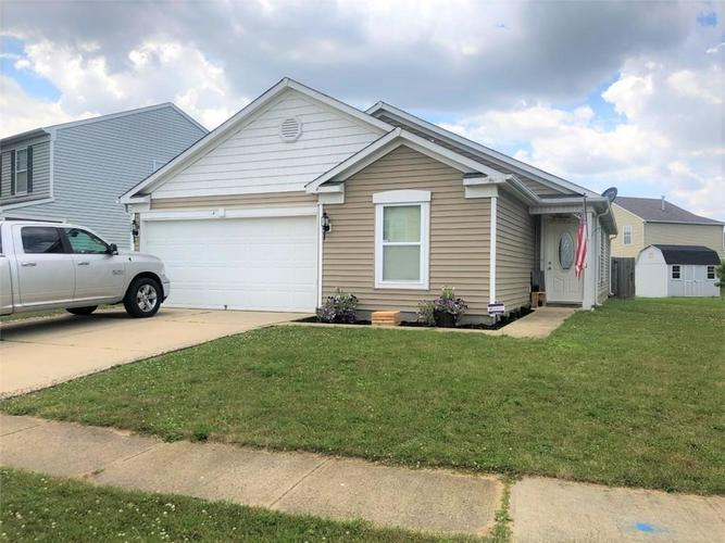 1642  Carriage Circle  Shelbyville, IN 46176 | MLS 21651927
