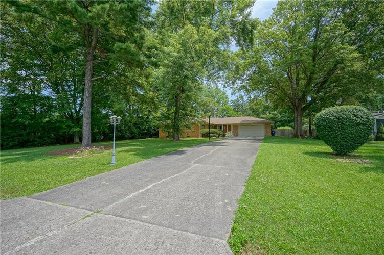 8755 N GUILFORD Avenue Indianapolis, IN 46240 | MLS 21651997 | photo 4