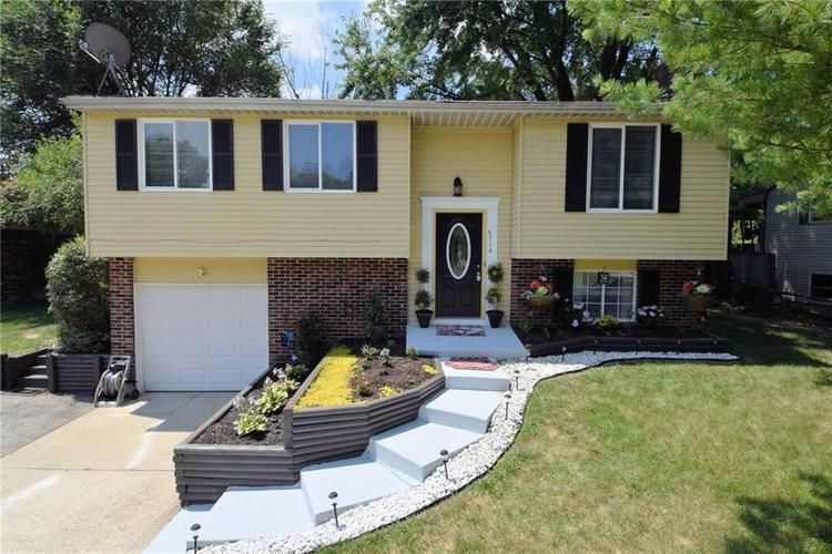 6716 S Lawndale Avenue Indianapolis, IN 46221   MLS 21652027