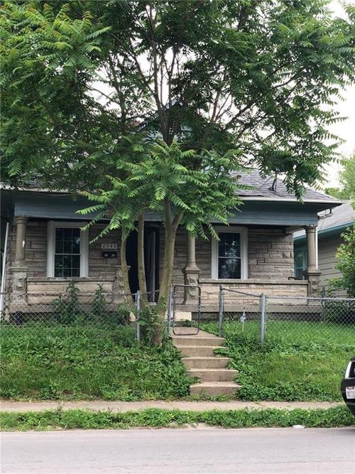 2945  Brookside Avenue Indianapolis, IN 46218 | MLS 21652140