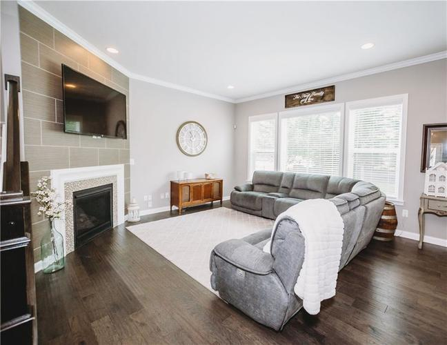 2044 Banburry Place Avon, IN 46123 | MLS 21652183 | photo 10