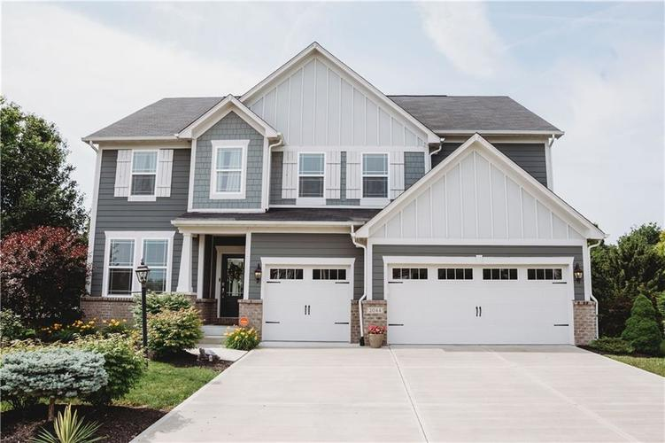 2044 Banburry Place Avon, IN 46123 | MLS 21652183 | photo 2
