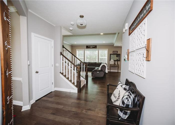 2044 Banburry Place Avon, IN 46123 | MLS 21652183 | photo 6