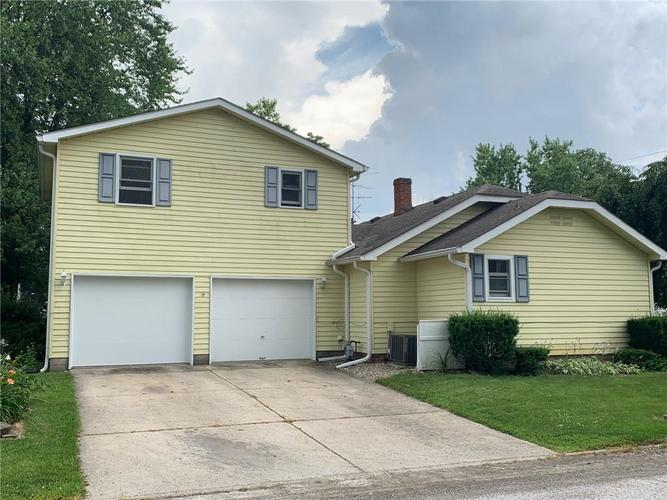 419  School Street Greenfield, IN 46140 | MLS 21652328