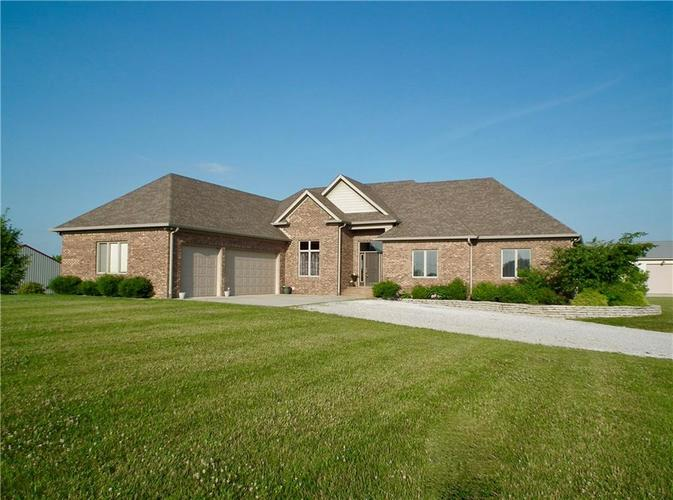 9010 S Mitthoeffer Road Indianapolis, IN 46259 | MLS 21652460