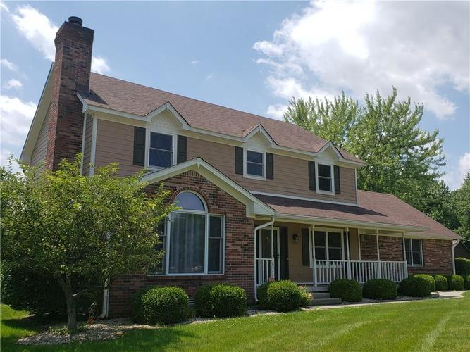 1652 Valley Brook Drive Indianapolis IN 46229 | MLS 21652488 | photo 1