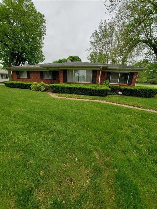 3711 W Southport Road Indianapolis, IN 46217 | MLS 21652490 | photo 1