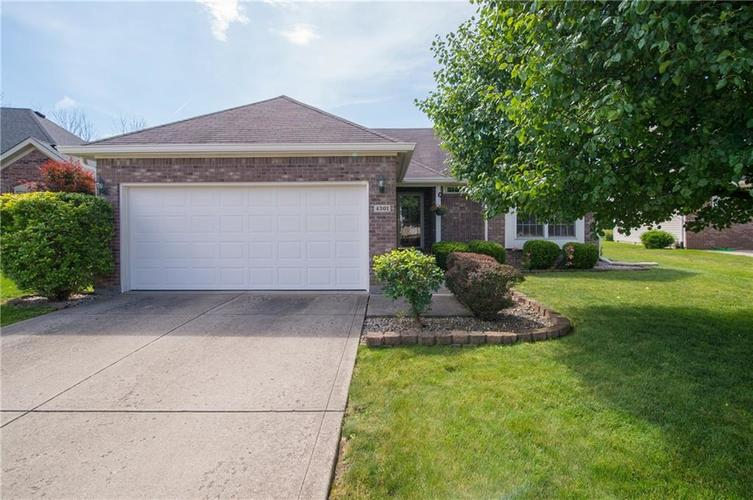 4301 W Summerhaven Drive New Palestine, IN 46163 | MLS 21652566 | photo 1