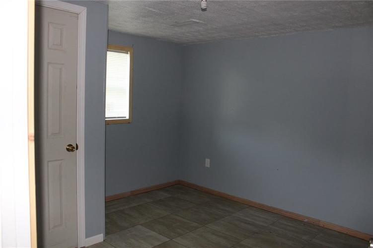 2917 Tindall Street Indianapolis, IN 46203 | MLS 21652573 | photo 15