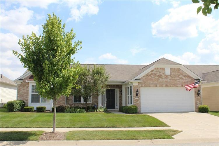16215 Brookmere Avenue Fishers, IN 46037   MLS 21652628   photo 1