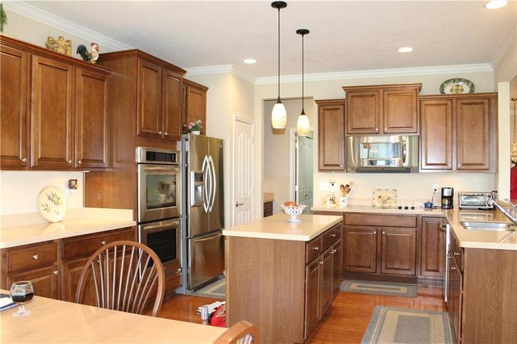 16215 Brookmere Avenue Fishers, IN 46037   MLS 21652628   photo 11