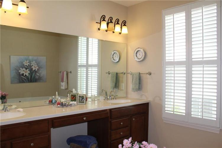 16215 Brookmere Avenue Fishers, IN 46037   MLS 21652628   photo 15