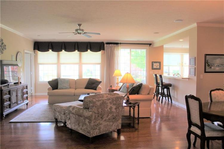 16215 Brookmere Avenue Fishers, IN 46037   MLS 21652628   photo 3