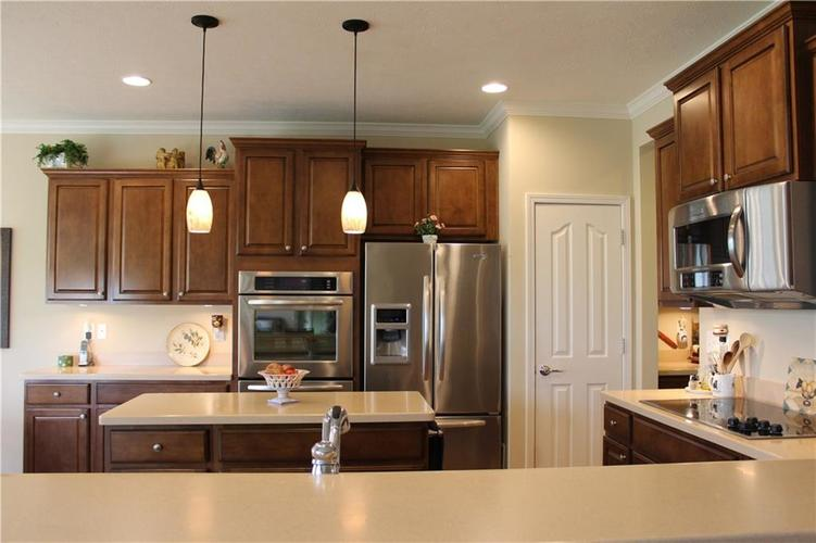 16215 Brookmere Avenue Fishers, IN 46037   MLS 21652628   photo 8