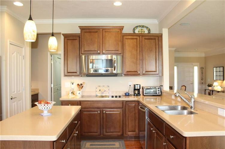16215 Brookmere Avenue Fishers, IN 46037   MLS 21652628   photo 9