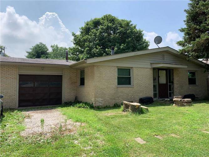 1929 E US Highway 40 Clayton, IN 46118 | MLS 21652755 | photo 1