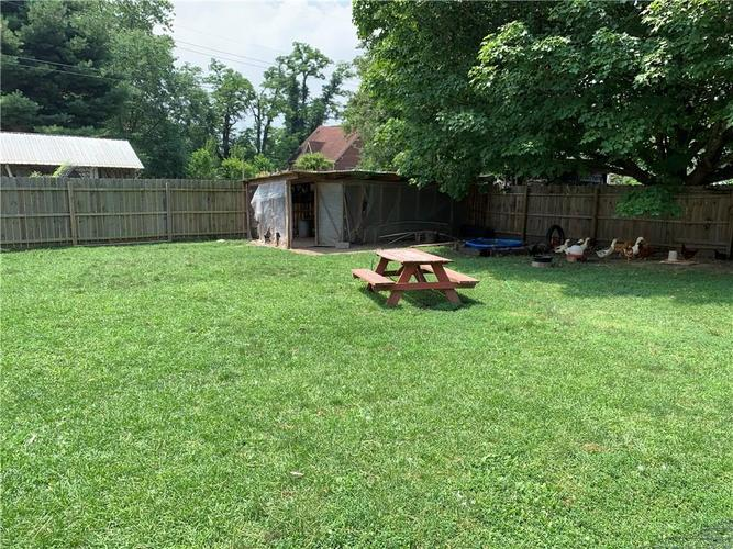 1929 E US Highway 40 Clayton, IN 46118 | MLS 21652755 | photo 12