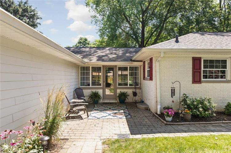 1720 E 81st Street Indianapolis, IN 46240   MLS 21652888   photo 3