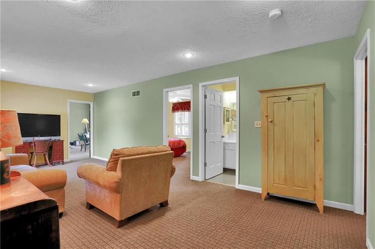 246 Saddlebrook Drive Zionsville, IN 46077 | MLS 21652914 | photo 20