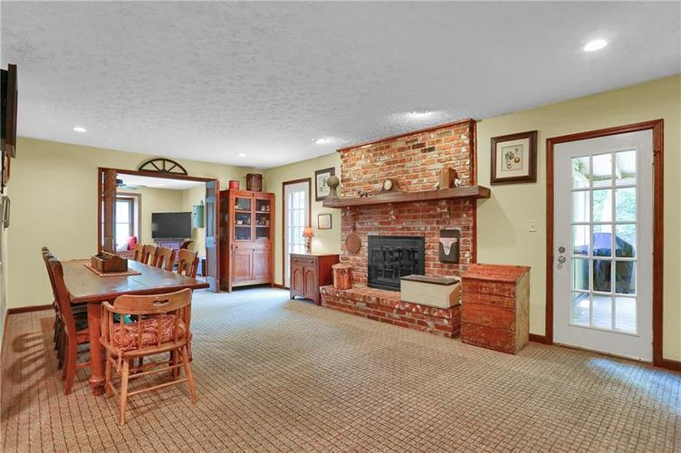 246 Saddlebrook Drive Zionsville, IN 46077 | MLS 21652914 | photo 3