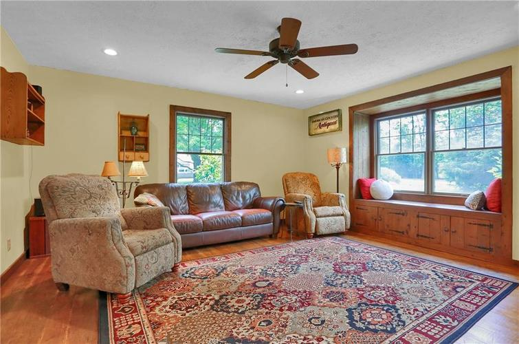 246 Saddlebrook Drive Zionsville, IN 46077 | MLS 21652914 | photo 5