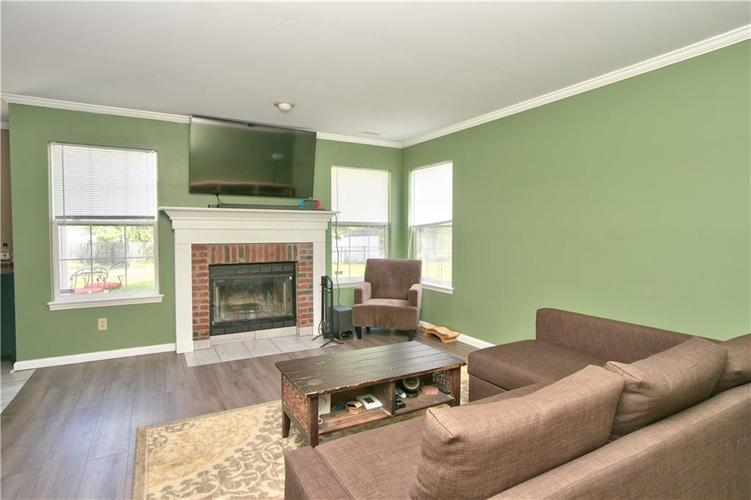 7914 Willow Wind Circle Indianapolis, IN 46239 | MLS 21652981 | photo 6