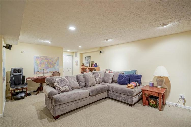 7719 Golf Club Court Indianapolis, IN 46236 | MLS 21653018 | photo 18