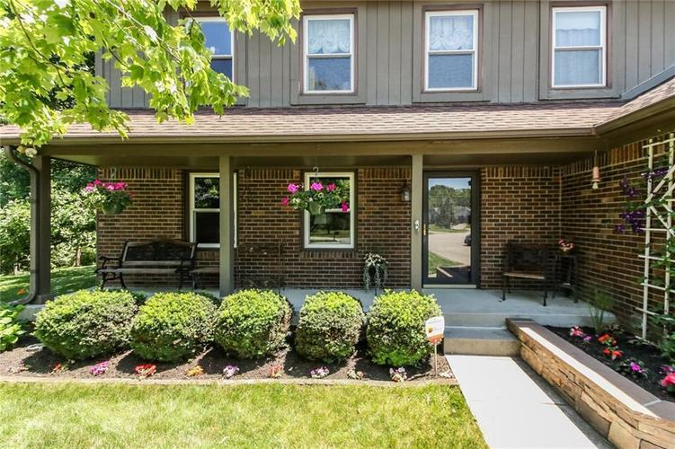7719 Golf Club Court Indianapolis, IN 46236 | MLS 21653018 | photo 2