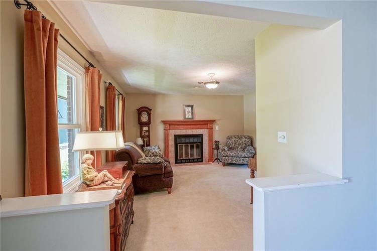 7719 Golf Club Court Indianapolis, IN 46236 | MLS 21653018 | photo 4
