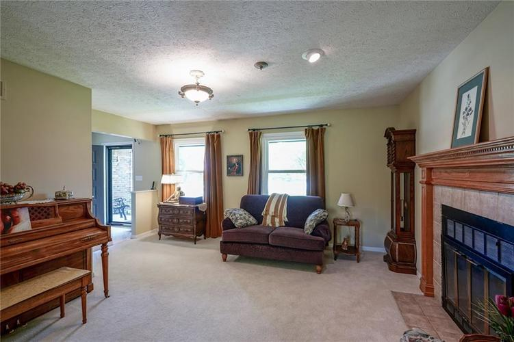 7719 Golf Club Court Indianapolis, IN 46236 | MLS 21653018 | photo 6