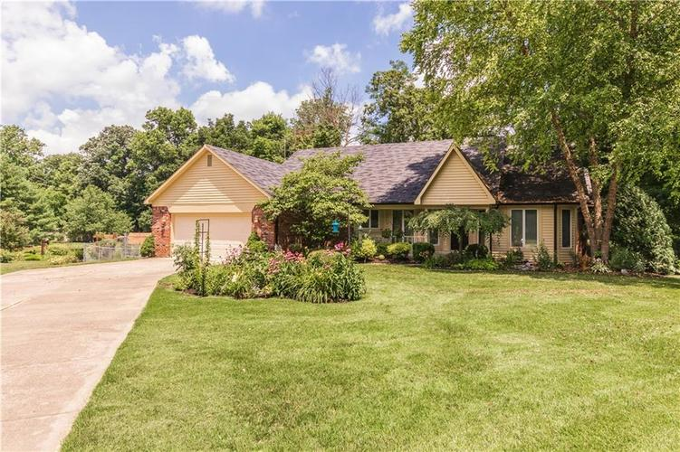 4230  Lakewood  Clayton, IN 46118 | MLS 21653020